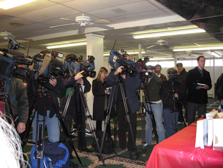The Media At The Book Announcement.  At The Same Time The News Was Breaking About Eliot Spitzer's Smearing By The Bush White House.  Most Of The Media People Present Chose To Stay