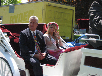 Mayor Jennings and 2006 Tulip Queen